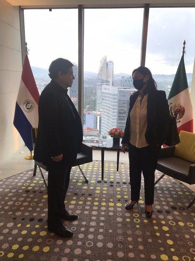 Canciller se reunió con Directora de AstraZeneca en México para gestionar compra de 500.000 dosis