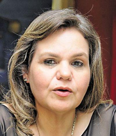 """Elecciones: senadora Lilian Samaniego negó estar a favor de las """"listas sábanas"""" y cuestionó """"falencias"""" del sistema preferencial"""
