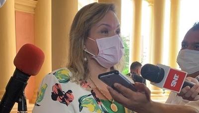 """Lilian Samaniego rechaza nuevo sistema electoral y asegura que ley vigente """"mata a los partidos políticos"""""""