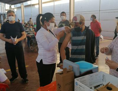 Inició vacunación contra el covid-19 a población general en penitenciarias de Asunción