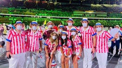Así fue el emocionante desfile de nuestros atletas por el Estadio Olímpico de Tokio