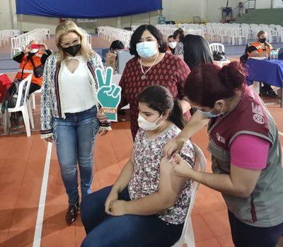 """Minna y el Ministerio de la Defensa Pública acompañan el """"Día A"""" de vacunación"""