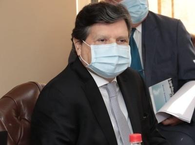 Otra promesa de Covax: Canciller dice que en agosto llegarían 225 mil dosis de vacuna anticovid
