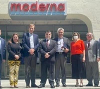 Paraguay firma contrato para adquirir 2.000.000 de Moderna