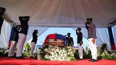 Haití: disparos y gases lacrimógenos durante el funeral del presidente Jovenel Moise