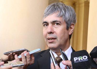 Querellan a Pedro Ferreira por conflicto entre accionistas privados