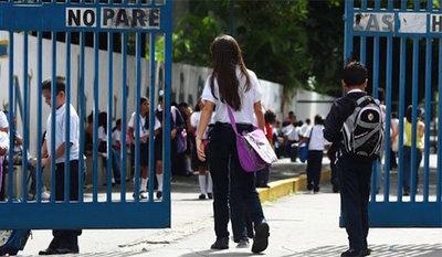Colegios privados piden extender el horario de las clases presenciales