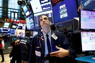Bolsas de Europa y Wall Street caen con fuerza ante el avance de la variante Delta de coronavirus