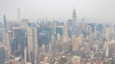 Dictan alerta de calidad del aire en Nueva York debido al humo proveniente de los incendios