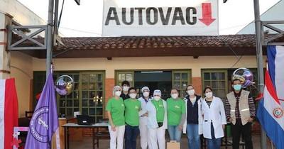 La Nación / Día A: más de 400 adolescentes vacunados en Clínicas