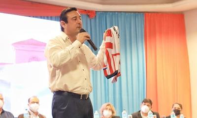 Buzarquis lanzó su campaña con la presentación de su proyecto de gobierno