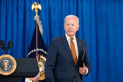 Popularidad de Biden cae a su nivel más bajo desde que es presidente