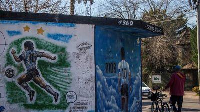 """Una """"revolución cultural"""" en barrio del cementerio de Maradona"""