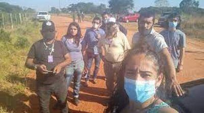 Expulsan del país a activistas por intentar ingresar a los montes sin autorización