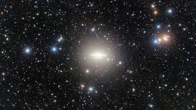 Desentrañan en la galaxia del Sombrero un enigma vinculado al 'canibalismo' espacial