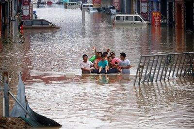 Aumentan a 51 los muertos por las inundaciones en China