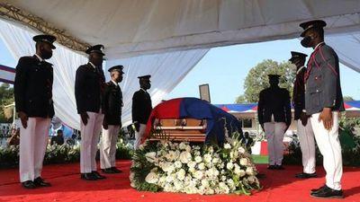 Haití despidió al presidente asesinado con denuncias de traición y un clima de violencia
