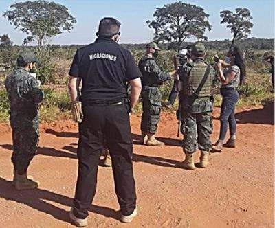 Migraciones dice que activistas que fueron a zona del EPP serán expulsados