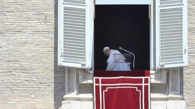Convaleciente, el Papa renuncia a una  misa en San Pedro