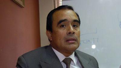 Roberto Cárdenas con leve pena por el caso royalties