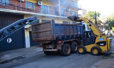 Se intensifican trabajos de bacheo en el microcentro de Ciudad del Este – Diario TNPRESS