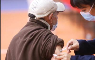 Jornada de vacunación continúa con aplicación de segunda dosis anticovid