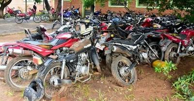 La Nación / Plantean exonerar multas para que propietarios retiren sus autos y motos del corralón