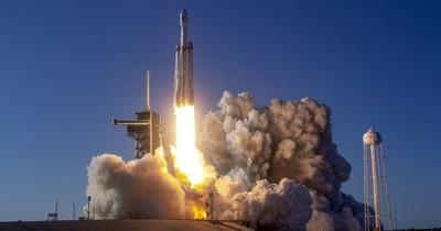 La Nación / La NASA escoge a SpaceX para explorar la luna Europa de Júpiter