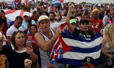 Más de 400 líderes sociales piden a Biden levantar embargo contra Cuba