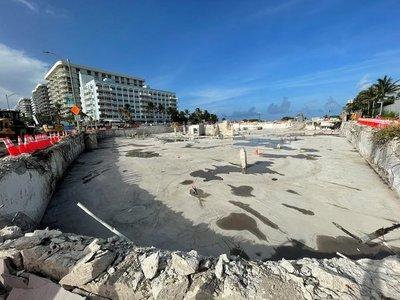 A un mes de la tragedia en Miami, rescatistas finalizan labores en el lugar del derrumbe