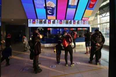 Santiago de Chile inicia su primer fin de semana sin cuarentena desde marzo