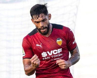 Omar Alderete se estrena como goleador en el Valencia