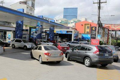 La factura petrolera de Honduras subió un 52 % en 5 meses, hasta 608,9 millones de dólares
