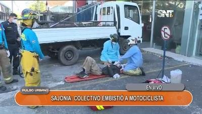 Un motociclista fue atropellado por un colectivo en Sajonia