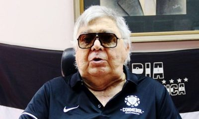 Osvaldo Domínguez Dibb y su deseo de preservar la piscina olímpica