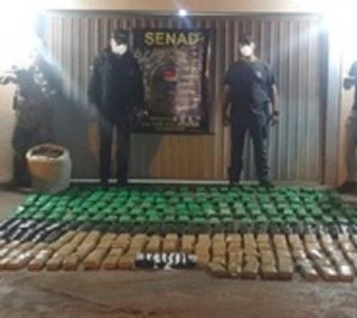 Incautan 200 kilos de marihuana abandonada en Canindeyú