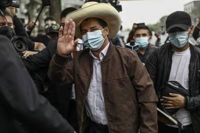 Perú: Castillo anuncia que pedirá que el sueldo de ministros y congresistas baje a la mitad