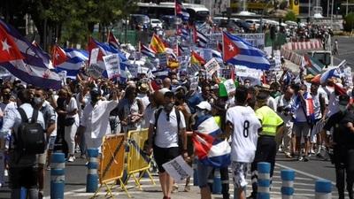 Masiva manifestación en Madrid contra la dictadura castrista