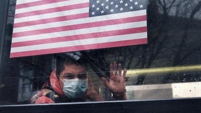 Ante repunte del Covid: EEUU reconsidera volver a pedir que los vacunados lleven tapabocas