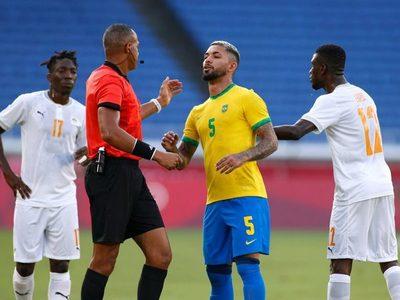 Insólita decisión del VAR en los JJOO: Echaron a un jugador de Brasil que no cometió infracción