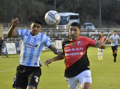 River Plate derrotó 2-1 a Guaireña y es único líder del Clausura.