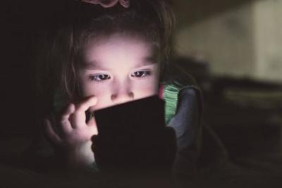 Adicción a la pantalla ¿La chispa inicial en conductas adictivas?