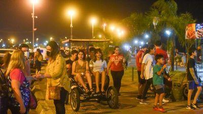 Relajamiento: Ciudadanos recorren la ciudad sin mascarillas