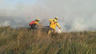 Comenzaron los incendios de pastizales en Caazapá