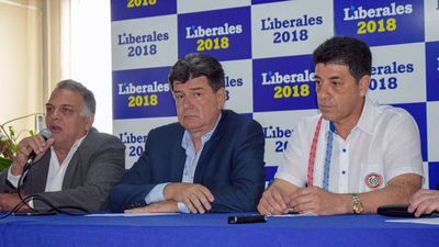 Efraín afirma que denunciará el acuerdo Cartes-Macri