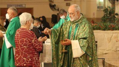 Cardenal pide respetar  dignidad de los abuelos