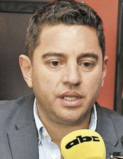 Piden informes a Itaipú sobre préstamos y directores