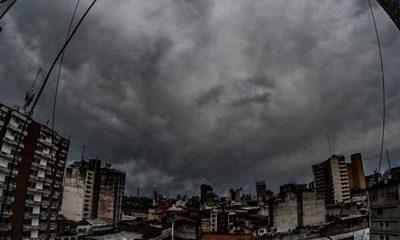 Lluvias, tormentas y marcado descenso de la temperatura