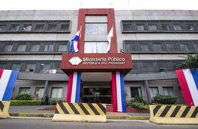 Fiscal Cabrera defiende su imparcialidad en casos ligados a cartistas
