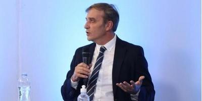 """""""La combinación de AstraZeneca con Pfizer o Moderna es altamente efectiva"""", dice el Dr. Balmelli – Prensa 5"""